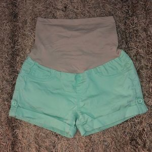 Pants - Mint maternity shorts